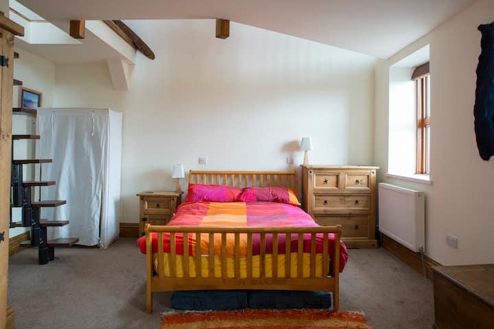 Lake District Big Dble Room with Lounge - Pets OK