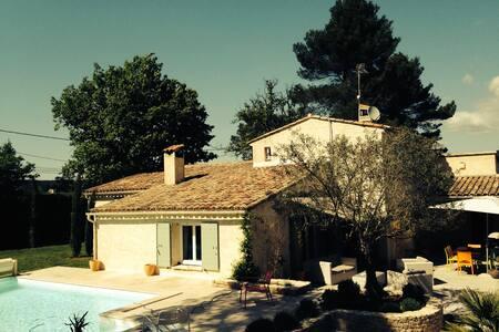 Maison provençale avec Piscine - Gréasque