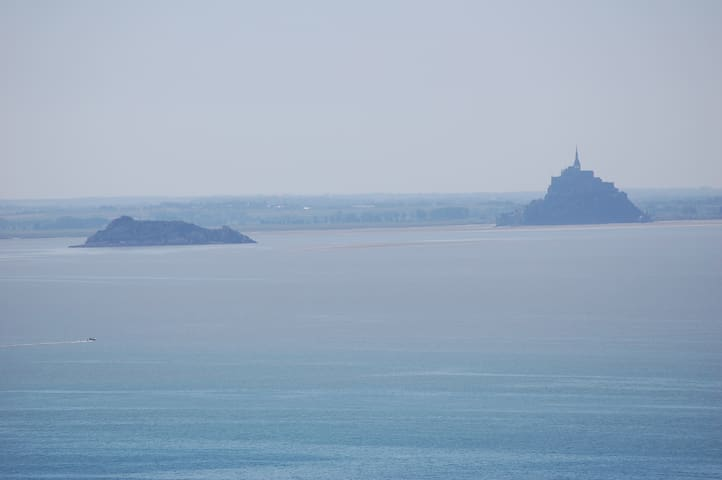 House next to the Mont Saint Michel - Carolles