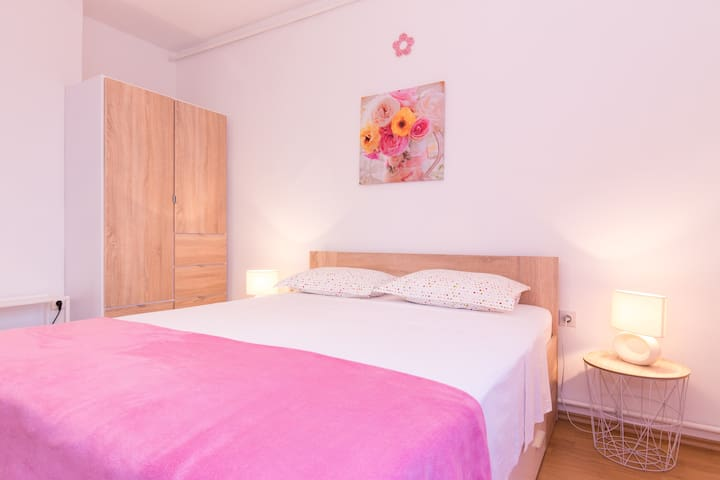 Room Milka - free WiFi & parking place