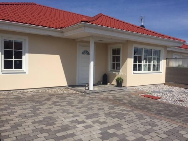 Rum för korttidshyra i villa i Trelleborg