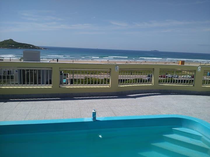 Praia da vila cobertura  com piscina  P/8 hospedes