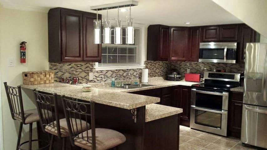 Quiet & Cozy Modernized Saltbox Home