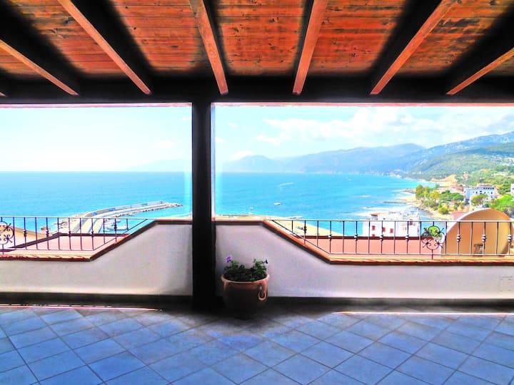 Casa con splendida vista sul mare