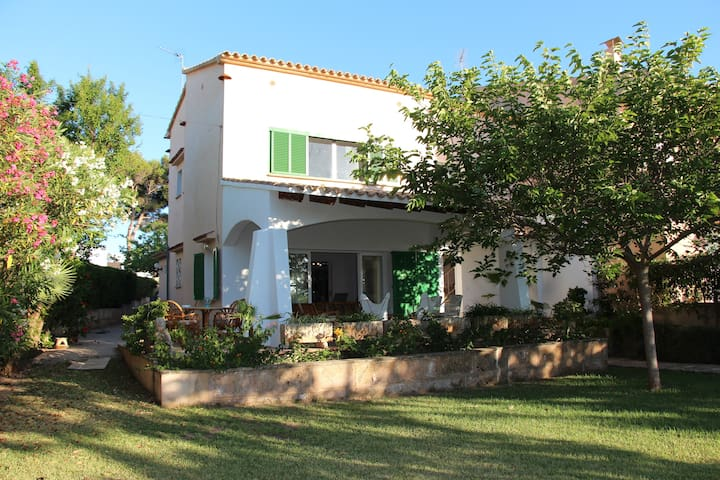 CHARMING FAMILY HOUSE NEAR BEACH - Mallorca, Islas Baleares, España - House