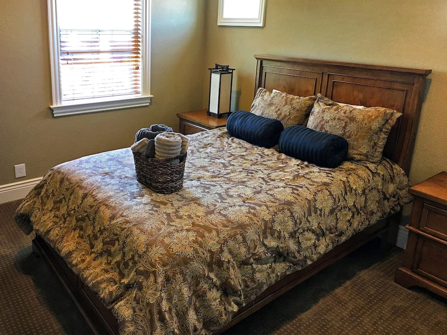 Very nice quiet bedroom w full bath 2 houses for rent for Master bedroom for rent san jose