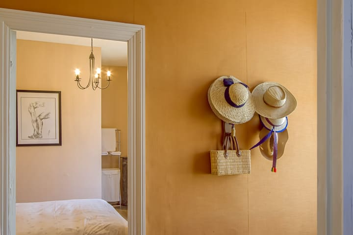Guests are welcome to borrow the hats & shopping bags. The art throughout the house is offered for sale by local artists.