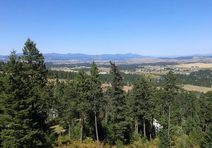 Room With View of Spokane Valley