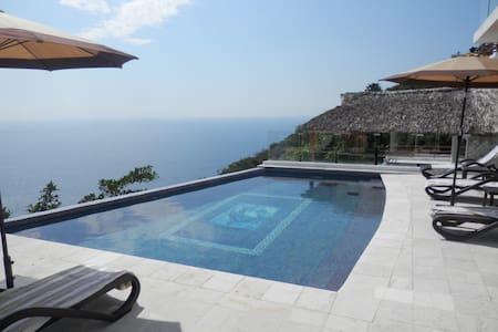HERMOSA VILLA DIAMANTE ACAPULCO - Acapulco - Casa de campo