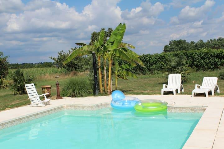 appartement neuf dans ferme piscine