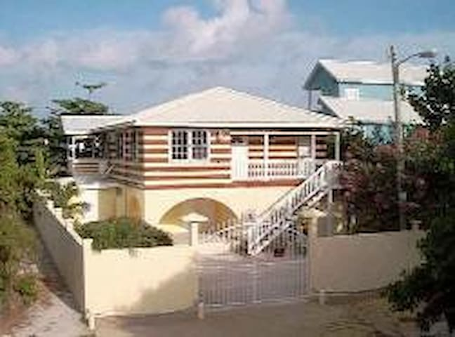 Chez Caribe Tortuga Studio