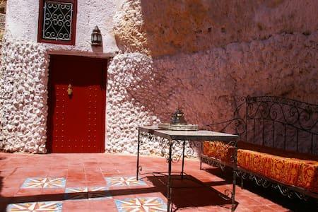 Cave dwelling in fès in Morocco - البهاليل - ที่พักพร้อมอาหารเช้า