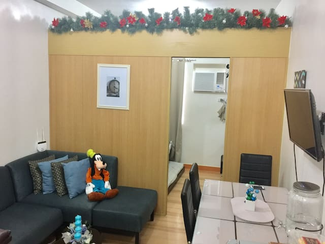 Condo close to malls and parks in Quezon city - Quezon City - Osakehuoneisto