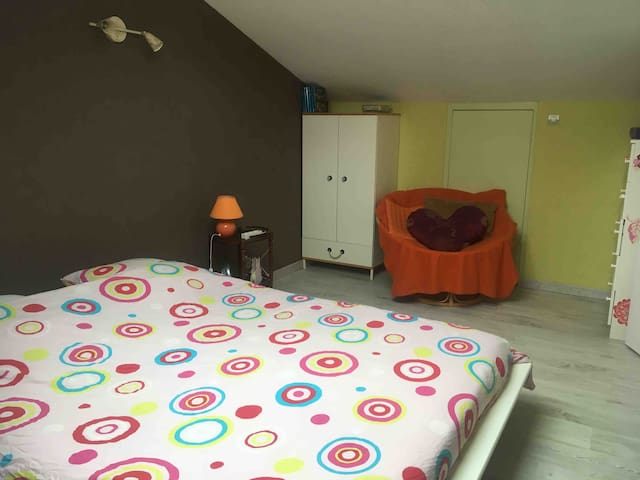 Chambre privée dans villa