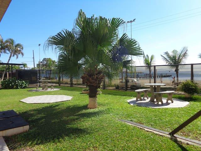 Apartamento privilegiado - Beira da praia