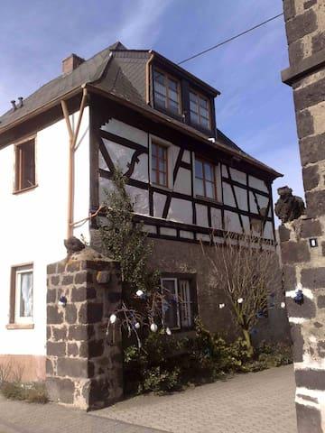 Ferienwohnung Karthäuser Hof - Wassenach - Apartment