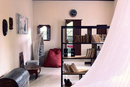 Cozy, Quirky Budget Studio in Ubud