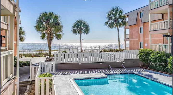 Beach house Oceanfront Condo