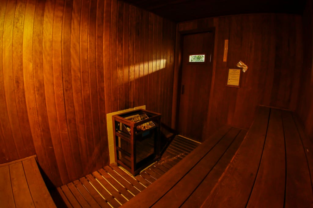 Sauna seca, na área interna de lazer (reserva por apto.)