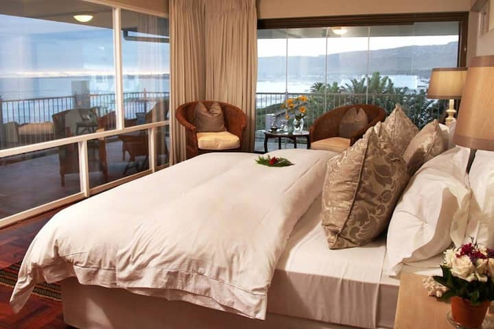 Hermanus Beach Villa - Bay View Suite