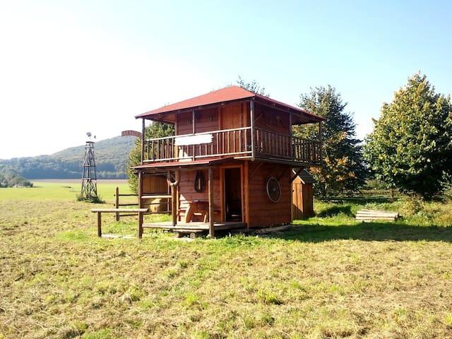 Kickinghorse ranch Němčice - Chata Nevada - Němčice - Hut