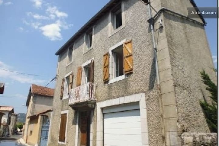 Village House in Pyrenees Foothills - Loures-Barousse