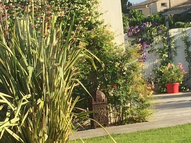 Au cœur d'un village languedocien - Aigues-Vives - Villa