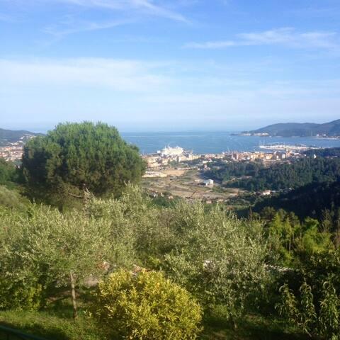 Gelsomino sea view Flat  - Sarbia, La Spezia - Bed & Breakfast