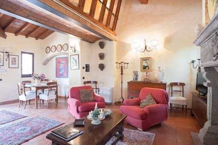 VillaOlivella  Luxury villa with pool&AC near Rome