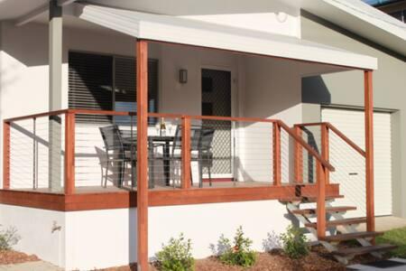 Sunrise Villa, Caloundra - House
