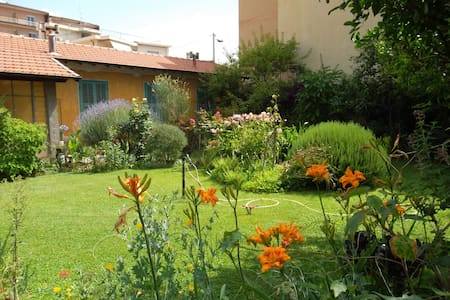 B&B Lidia garden 100m from the sea - Vallecrosia