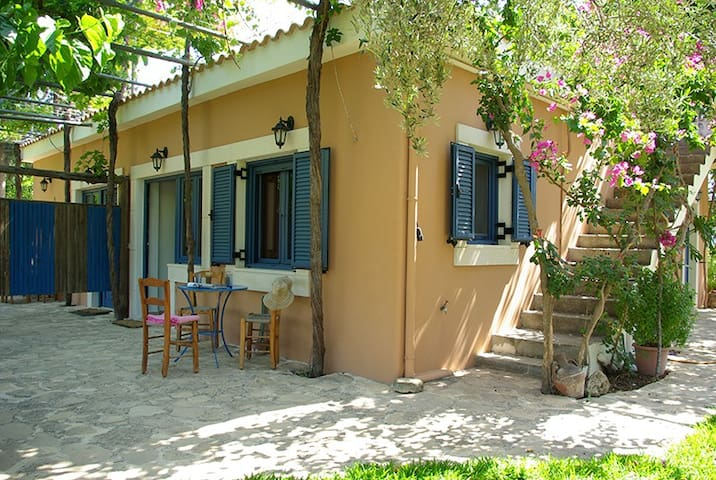 Apartments in a small paradise - Kamilari - Apartamento