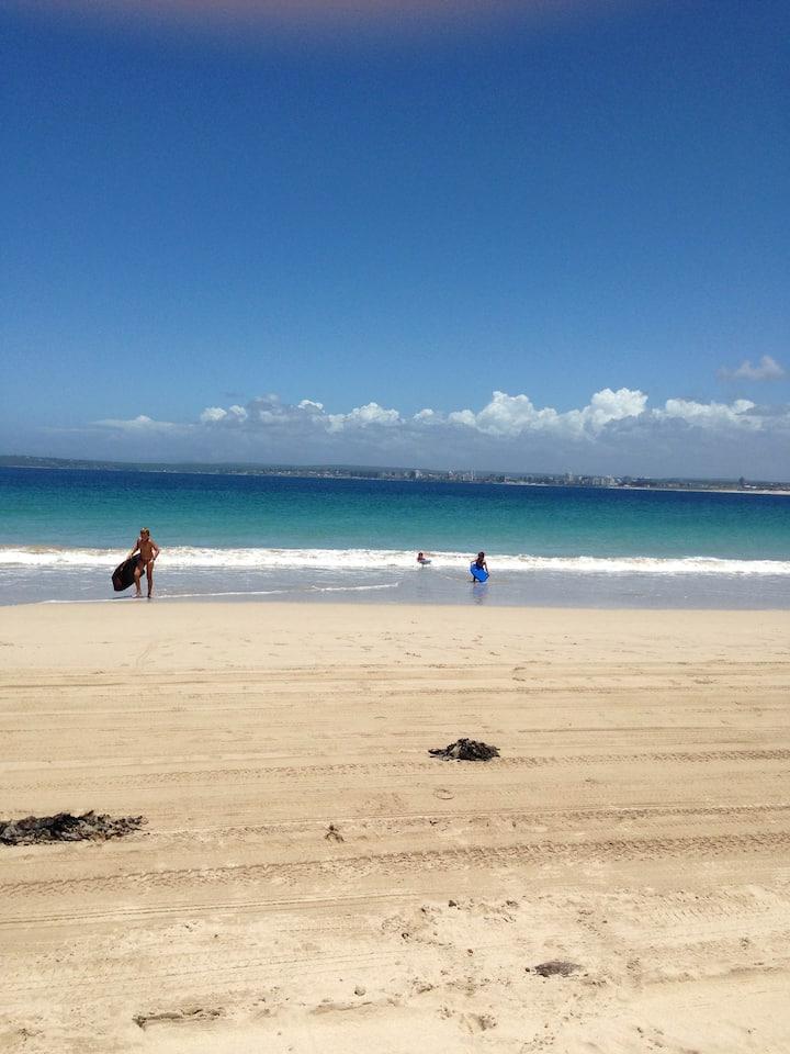 Beachside retreat! heart of Cronulla WHOLE UNIT