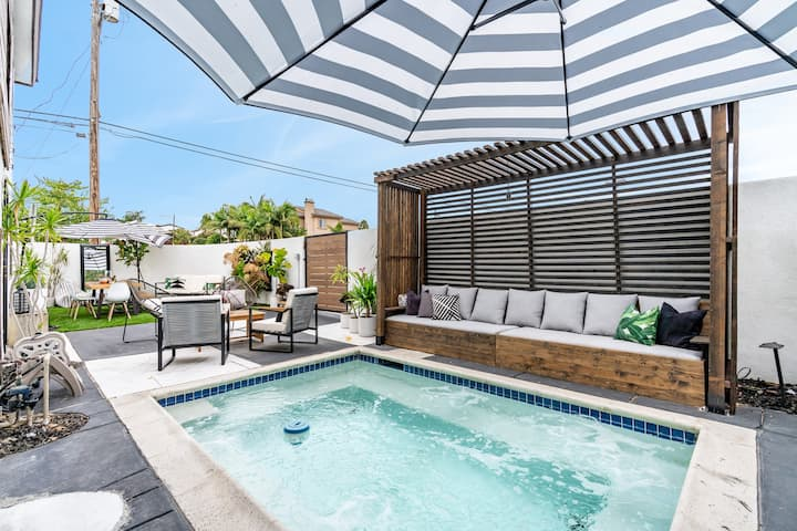 Beautiful SD Hottub Oasis! Perfect WFH Space!