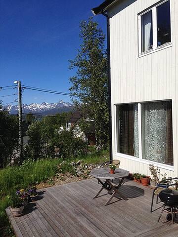 To rom i rolig strøk på Hansmark - Tromsø - ที่พักพร้อมอาหารเช้า