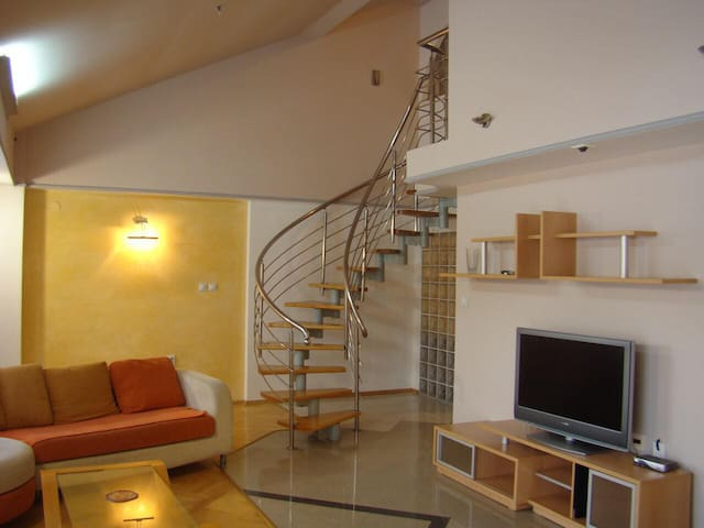 Luxe duplex in the hearth of Skopje, park nearby