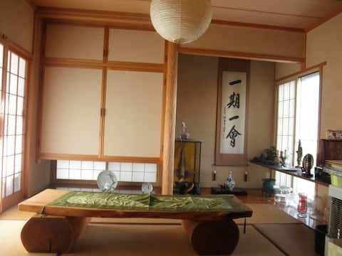 本格的な和室で日本人の生活を体験・スーパー隣り(弘前駅~送迎付き)