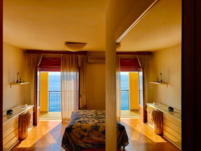 Super attico palafitta sul mare