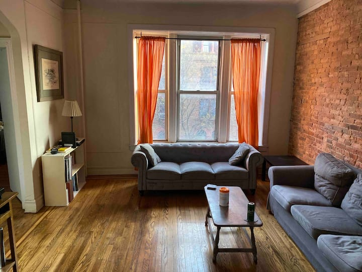 Spacious Brooklyn 1-bed right by buses and subway