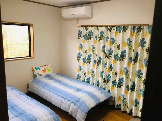 【駅近!】A部屋【洋室鍵付、WiFi、ドリンク無料!】