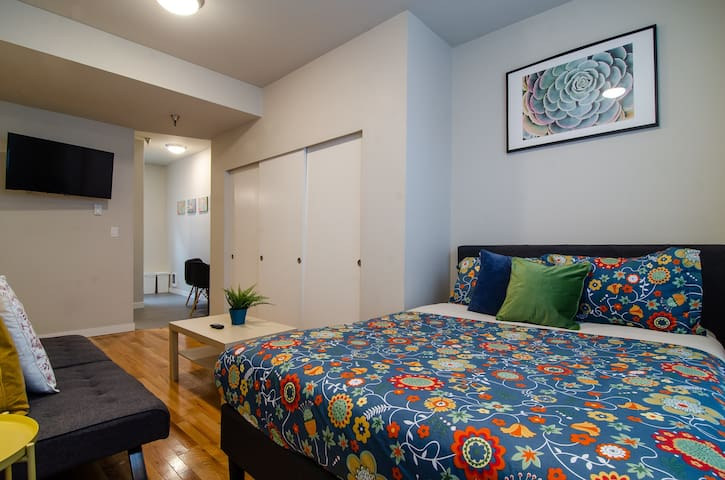 Spacious, Clean Studio in International District