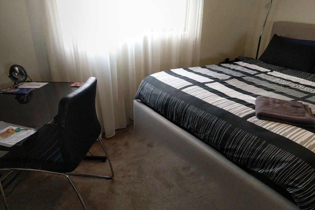Queen sized bedroom.