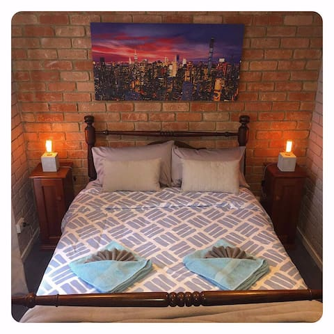 2nd bedroom - queen bed. **Please request your desired room set-up with your initial booking enquiry e.g : (1). TWIN SINGLES & QUEEN BED or (2). KING & QUEEN BEDS.