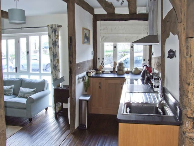 Beautiful Grade ll* Listed Cottage