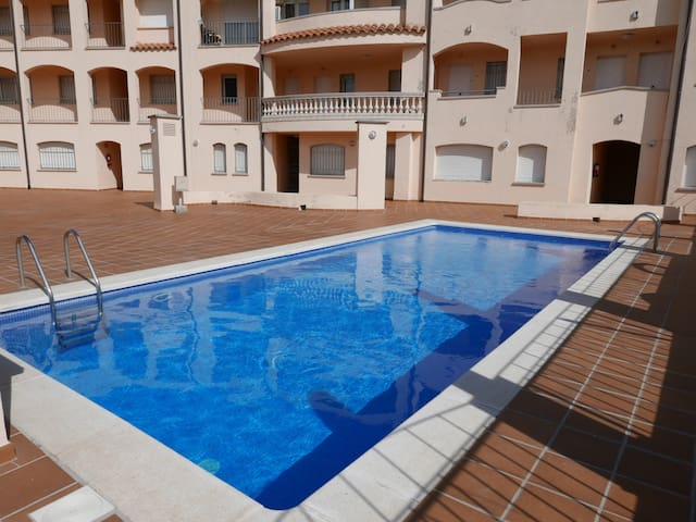 076 Apartment to rent  with a communal pool and near the beach