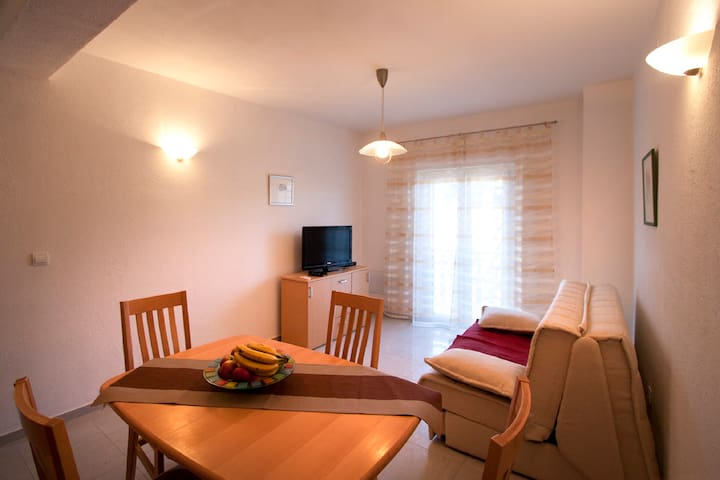 One-Bedroom Apartment with Balcony 132 - Povlja - Apartment