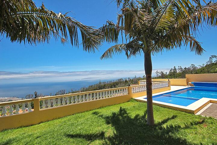 Villa Gaula with private pool - Funchal
