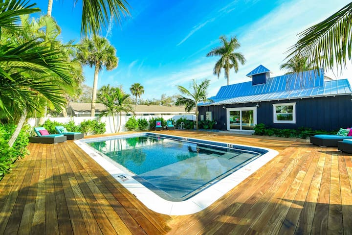 Villa Seashell - Amazing 1 bedroom Villa at new Islands West Resort! Close to beach with pool!