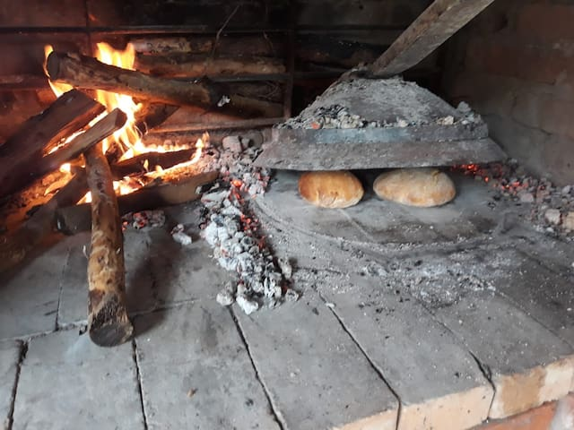 "Bread made in ""peka""."