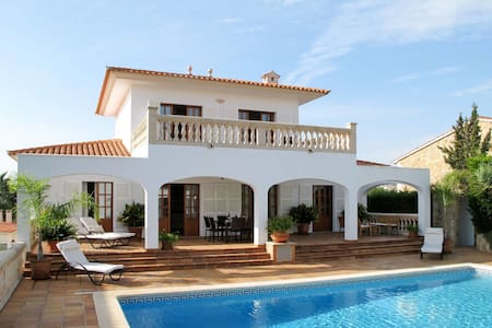 Holiday home in Cala Murada for 6 persons
